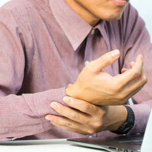 De Quervein's Tenosynovitis – Thumb & Wrist Pain